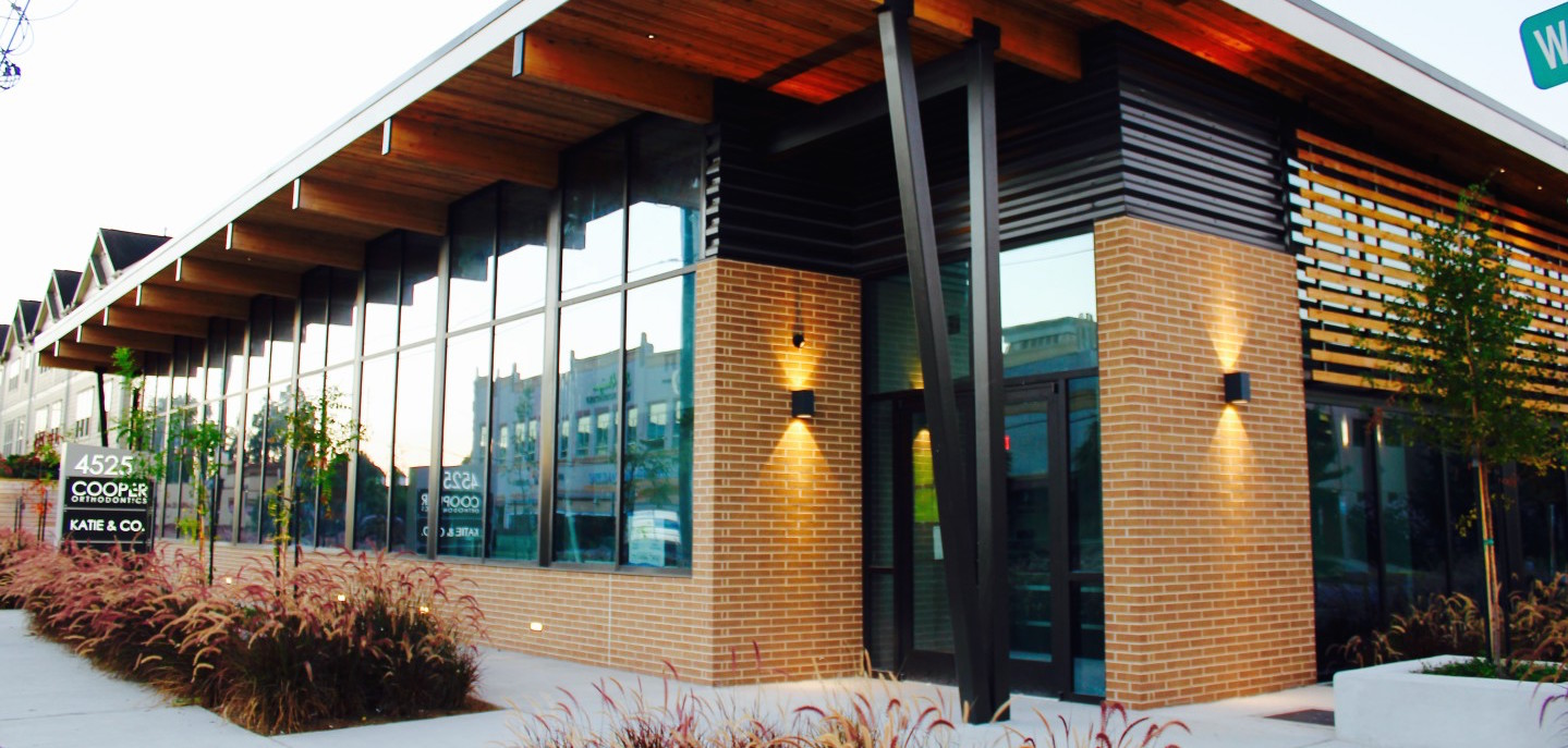 Cooper Orthodontic's modern exterior reflects Dr. Cooper's use of the latest and greatest orthodontic technology to provide custom orthodontic care.